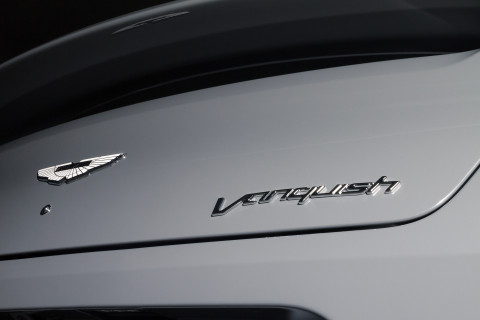 Aston Martin Vanquish Coupe China Grey Badge