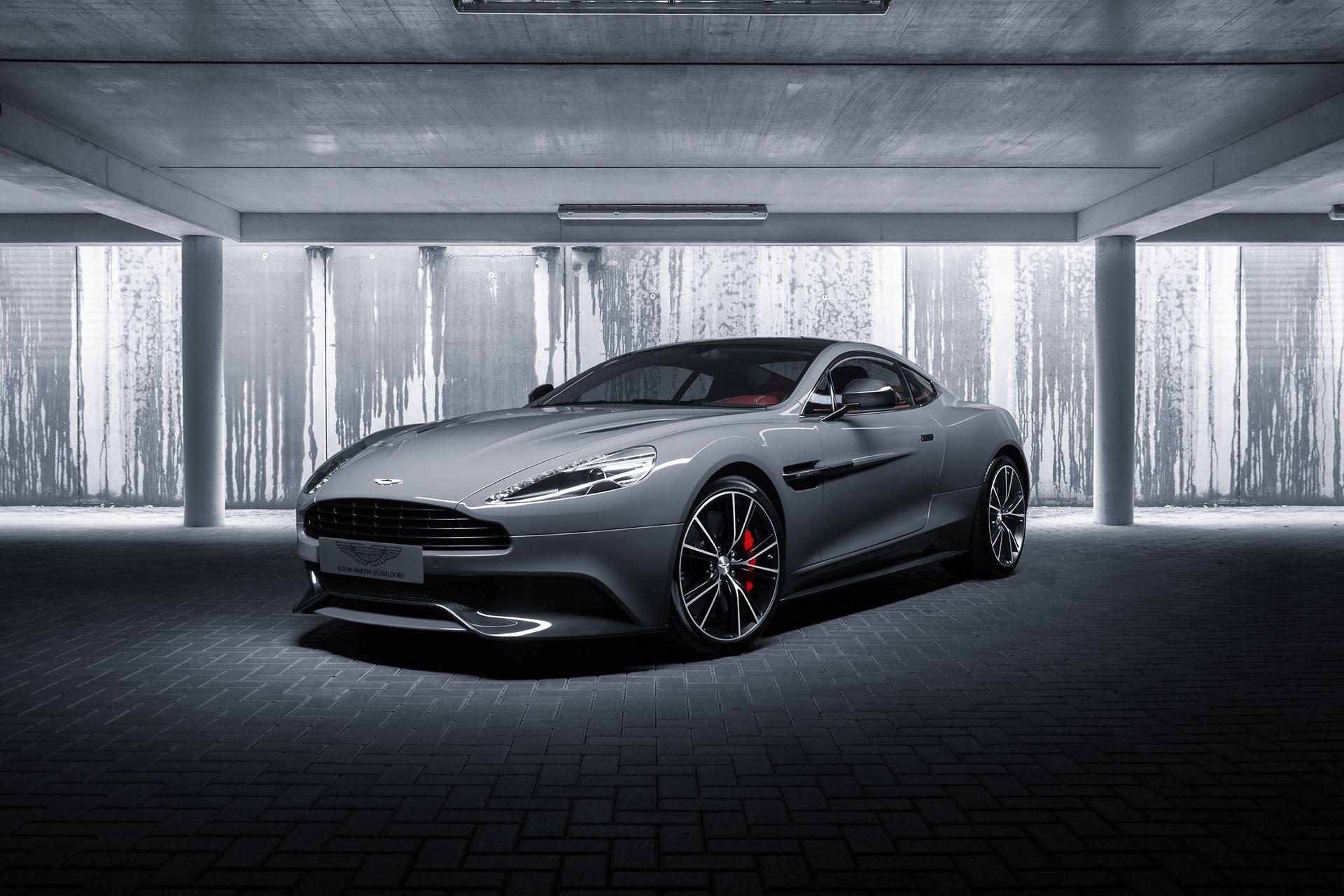 Aston Martin Vanquish Coupe China Grey Front